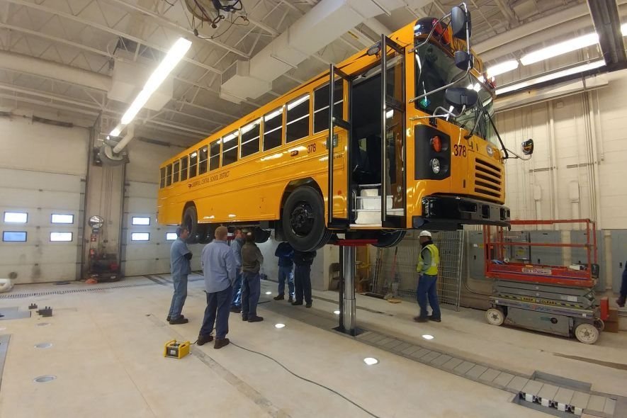 DIAMONDLIFT school bus