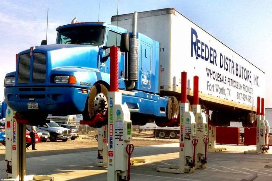 Reeder Distributors truck on EARTHLIFT Mobile Columns